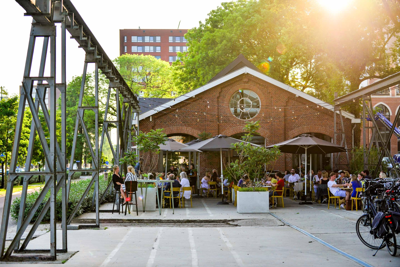 Restaurant De Houtloods - headerfoto - terras exterieur