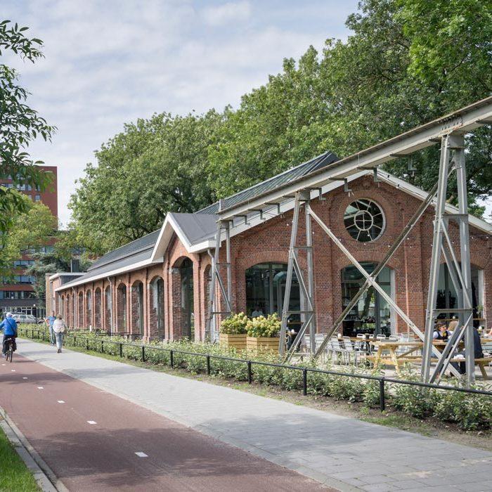 Houtloods-in-oudste-als-nieuwste-pand-van-de-Spoorzone